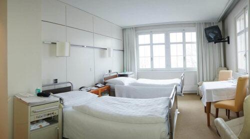 Doppelzimmer in der Augenklinik Teufen